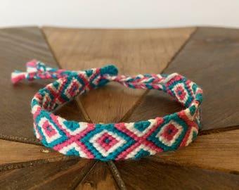 Handmade friendship bracelet – friendship bracelets diamond and chevron pattern–Woven bracelets – Geometric friendship bracelets-Boho Chic