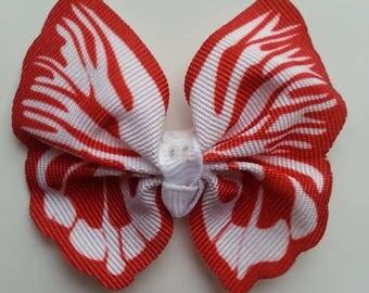 noeud en tissu imitation papillon 57*52mm dans les tons  blanc et rouge