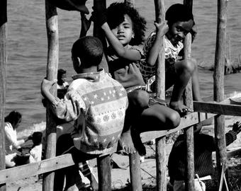 """Photography black and white: """"Collection of children"""" - Mananjar - MADAGASCAR - 2015"""