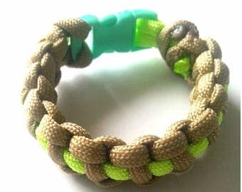 "Green and beige ""Paracord"" bracelet with green tie"