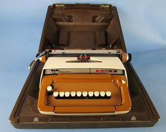 Rare vintage oddity. Smith-Corona Classic 12 Greek typewriter. FREE SHIPPING!