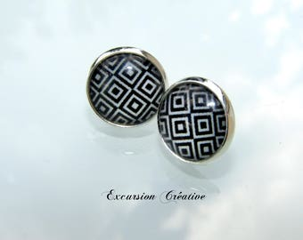 """Earrings """"chips"""" 12 mm stainless steel with graphic black and white squares"""