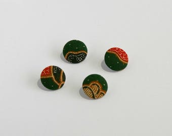 Covered button green batik - red fabric, 20 mm