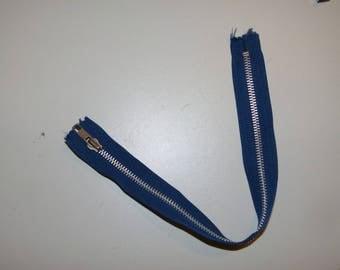 Blue zipper iron not separable 34 cm