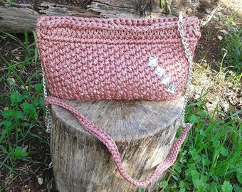 Crochet pouch in cord shiny antique pink