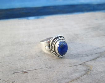 Silver Solitaire ring with lapis lazuli