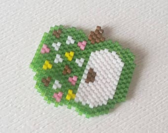 Apple brooch beads Miyuki