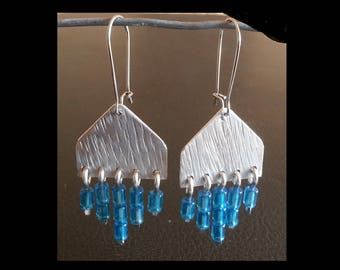 Earrings textured urban aluminum, stainless steel and lagoon blue glass seed