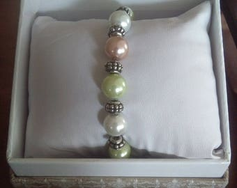 multi-color bracelet (pearl white/green/light orange)