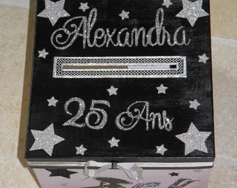 Birthday box, girl, mannequin, flirtatious, fashion, shopping, stars, pink color, black, glitter, customizable,