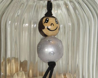 """Keychain doll with wooden beads, jewelry bag, silver color, """"Smile ball"""" and customizable hand painted"""