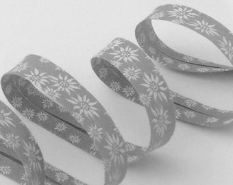 Printed gray bias edelweiss flowers folded 2 cm sewing