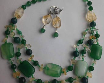Beads from green agate and citrine