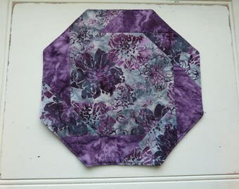 Table Topper, purple, quilted