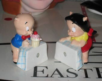 Porky Pig and Petunia salt and pepper set from Looney Tunes