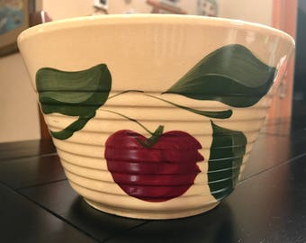 Vintage 1950's Watt Pottery Rare 3 Leaf Apple #8 Ribbed Collectable Advertising Bowl