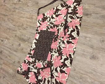 Pink and brown apron