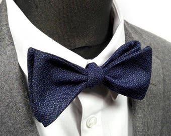 "Bow tie, silk kimono Japanese ""Matsuo"" / ""Matsuo"" japanese kimono silk Bow Tie"