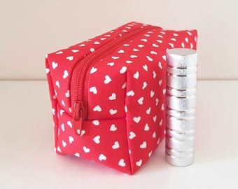 Red cosmetics pouch, heart pouch, toiletries bag, smartphone etui, small wallet, zipper purse, pensil case
