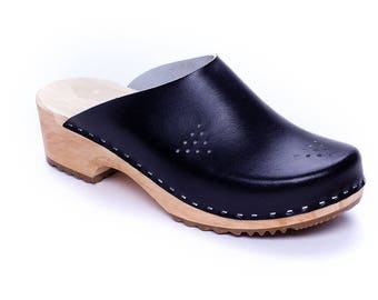 Leather clogs Black sandals New clogs Wooden clogs swedish clogs Handmade clogs sandals Gift for women mules wood clog sweden clogs shoes