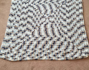 4 ft x 4ft blanket very warm and soft