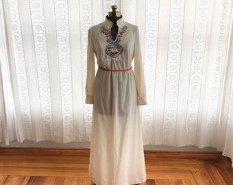 70s cotton maxi dress // Embroidered boho long sleeve maxi dress