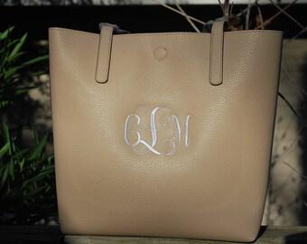 Custom Embroidered bag, Handbags, Monogramed bags,  Monogramed Purse,  Custom Embroidered Purse,  Embroidered Purse,  Embroidered Handbag