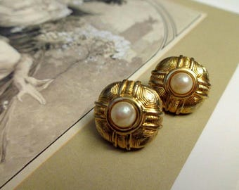Earrings years 60 with pearl