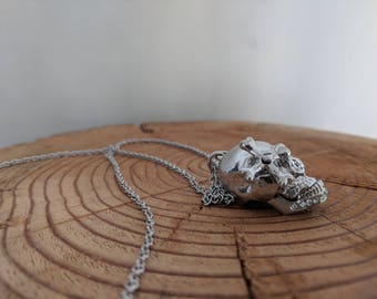 Skull Pendant Necklace with Movable Jaw and Cross-bone Eye