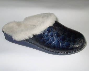 Handmade slippers for women and men in genuine leather with sheepskin lining