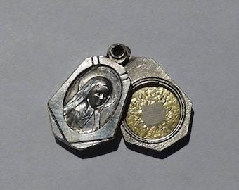 Vintage relic medal st. Bernadette Soubirous of Lourdes