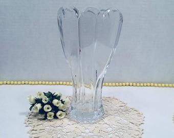 Vintage Vase Scallop Top 4 Sided Heart Design Bottom