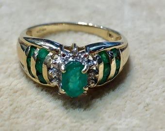 18 ct Emerald Diamond Ring