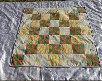 Lollipops and pinwheels quilt