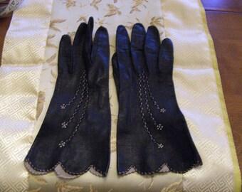 Vintage black leather ladies gloves