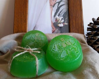 Artisan wedding soaps 100% natural of Aloe Vera, honey, olive oil and lemon or peppermint..