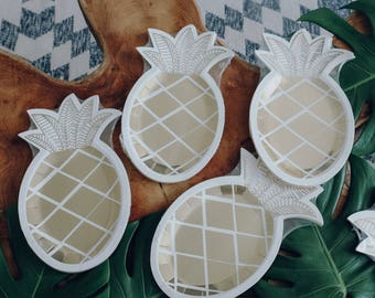 Pineapple paper plates - Pineapple Party Plates - gold party decoration - tropical party decoration gold plates 8 pieces