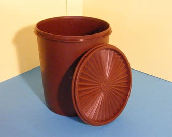Vintage brown servalier Tupperware container/Storage tub/Canister