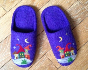 FELTED SLIPPERS - Wool shoes - Home shoes - Handmade