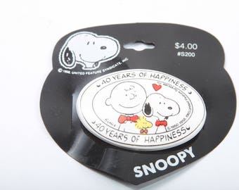Snoopy, Badge, Vintage, Celebrating 40 Years, Peanuts, United Features Syndicate, Label, White, Charlie, Woodstock ~ The Pink Room ~ 161123C