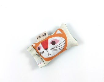 Orange Cat Green Bean Organic Eco Friendly Catnip Cat Toy For Mew, Gift For Cat Lover