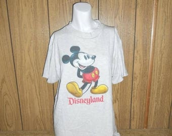 Closing Shop 40%off SALE Vtg vintage grey gray  Mickey Mouse Disneyland T-shirt tee  tshirt tee