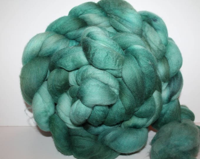 Kettle Dyed Merino Wool Top. Super fine. 19 micron  Soft and easy to spin. Huge 1lb Braid. Spin. Felt. Roving. M321