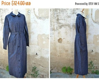 ON SALE Vintage 1920/1930 French black tiny floral cotton chore dress /worker dress /  size S/Ml