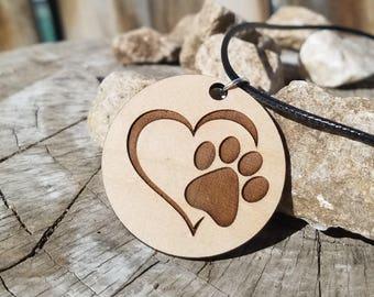 Loving pet pawprint pendant Necklace