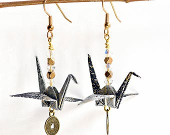 Boho earrings for daughter| Black jewelry for friends| Ideas for bridesmaid gifts from bride| Cute origami jewelry gifts| Peace cranes