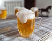 1:6 Scale Miniature BEER with Foamy Head in Plastic Mug - Realistic Miniature  Drinks and Beverages for Fashion Dolls and Action Figures