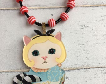 Alice in Wonderland teacup kitty necklace