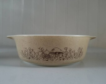 Vintage Pyrex Forest Fancies 471-B 500ml Dish