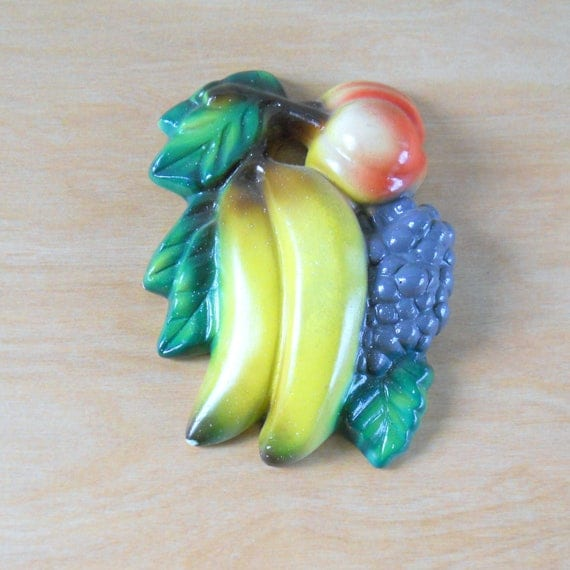 Vintage Chalkware Fruit Kitchen Decor Banana Grapes Peach